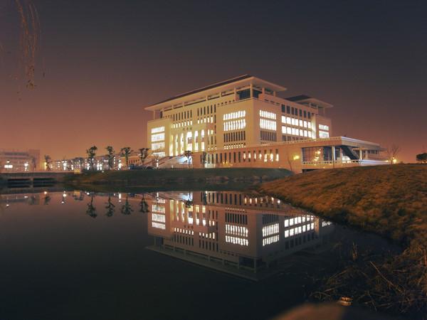 图书馆夜景