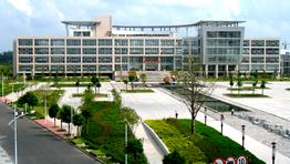 图书馆及中心广场